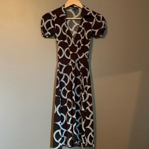 Le chateau patterned short sleeve dress